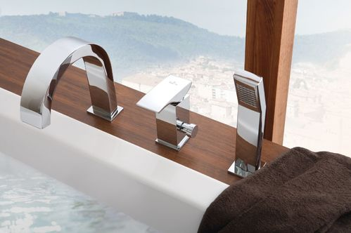 Смеситель для ванны врезной на 3 отверстия Deante Vigo, хром
