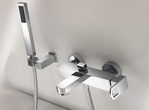 Смеситель для ванны с душем Cezares LEVICO VM1